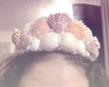 Viola, a finished mermaid crown